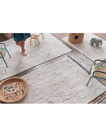 Alfombra Lavable RugCycled ABC M de Lorena Canals